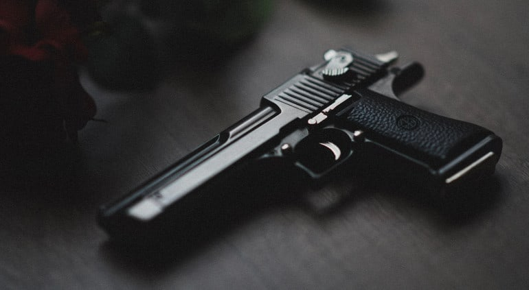 Het voorhanden hebben van een vuurwapen